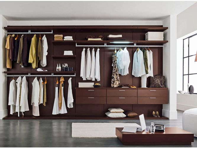 Прямая гардеробная Корунд в классическом стиле