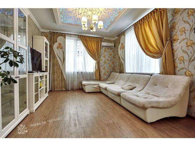 Гостиная Алонсо  в классическом стиле