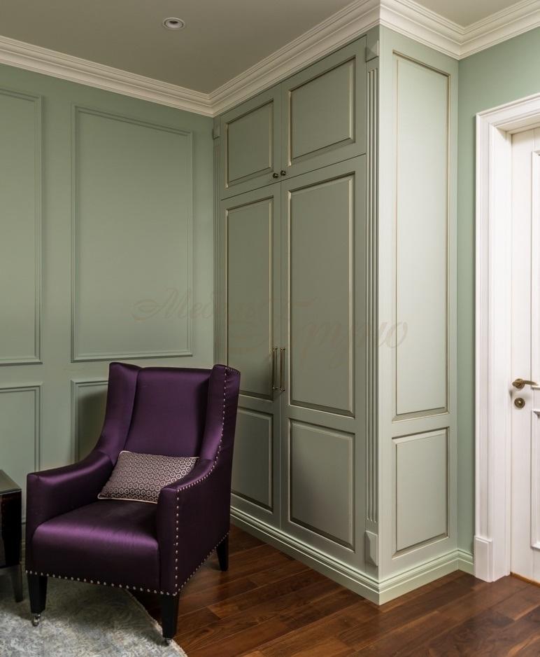 Встроенный шкаф Аарон в классическом стиле