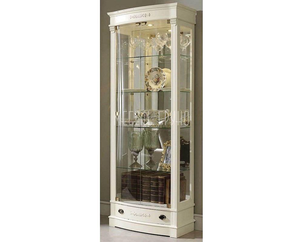 Прямая витрина  Гримо в классическом стиле