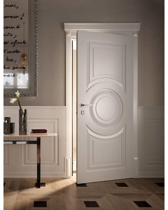Дверь Тону